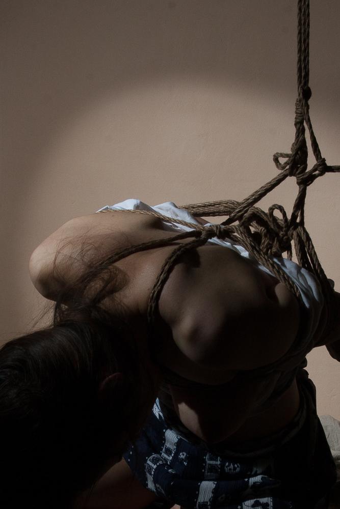 Rope & Photo : Alek Zander Model : tanja_hitler